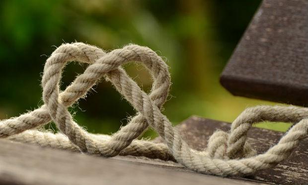 Desapego talvez seja aprender a desatar nós e compreender os laços (Foto: Pixabay)