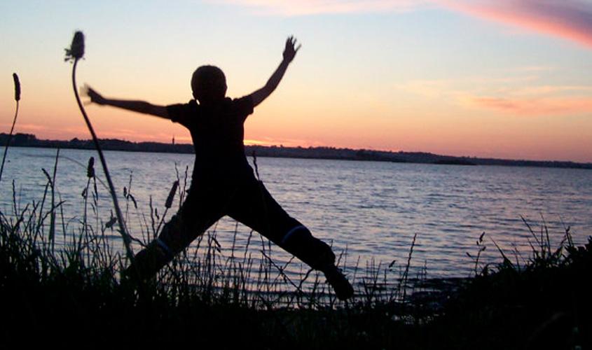 Nem começo nem final, felicidade é o meio do caminho
